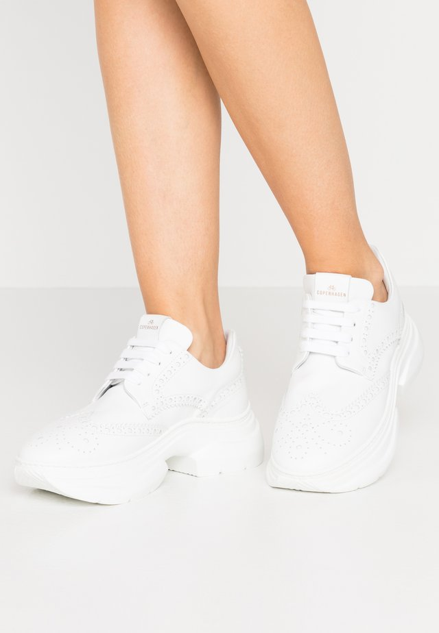CPH105 - Baskets basses - white