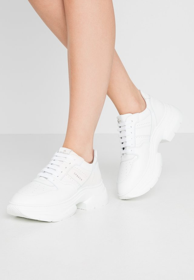 CPH 104 - Baskets basses - white