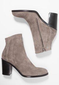 Copenhagen - Classic ankle boots - dark beige - 3