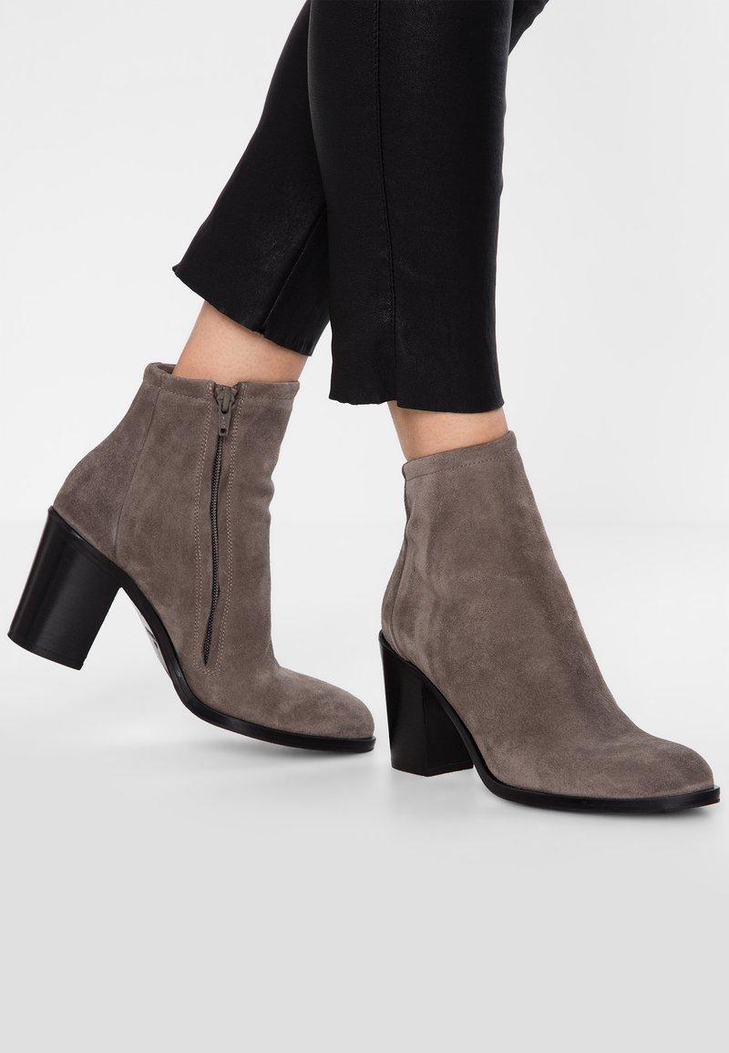 Copenhagen - Classic ankle boots - dark beige