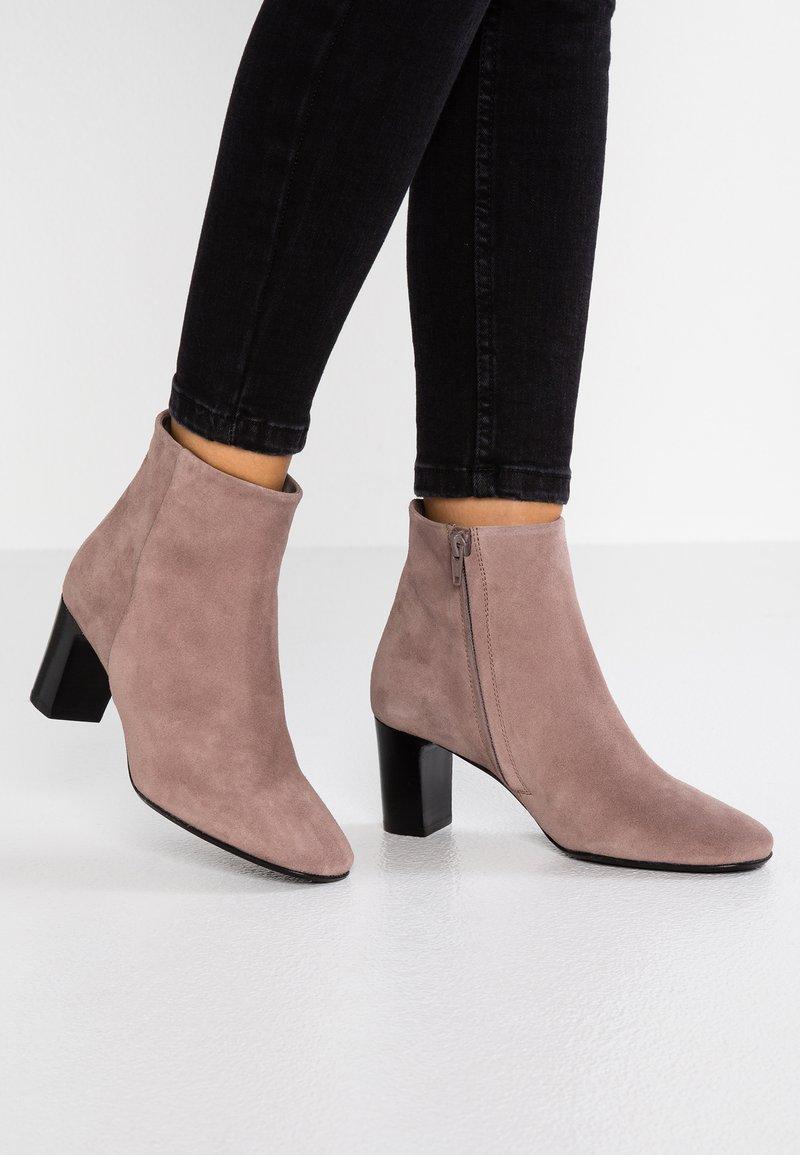 Copenhagen - Ankle Boot - dark rose