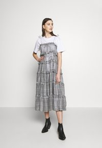 CMEO COLLECTIVE - STEALING SUNSHINE DRESS - Day dress - black - 1