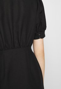 CMEO COLLECTIVE - WORTHY DRESS - Day dress - black - 4