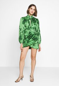 CMEO COLLECTIVE - RENEW DRESS - Cocktail dress / Party dress - green washed - 1