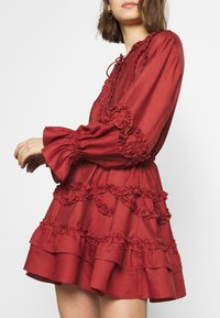 CMEO COLLECTIVE - SLOW DOWN DRESS - Day dress - carmine - 4