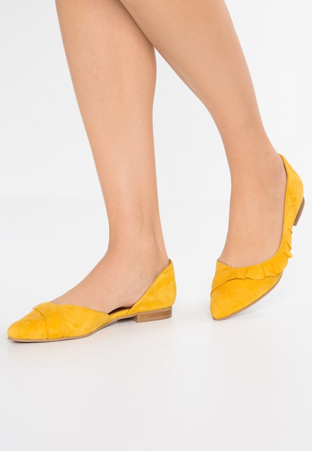 KYLE - Ballet pumps - yolk yellow