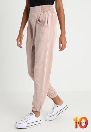 DAISY PANTS - Trousers - rose smoke