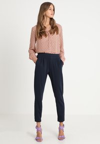 Cream - ANETT PANTS - Broek - royal navy blue - 1