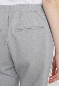 Cream - BEATE PANTS - Pantalon classique - light grey melange - 3