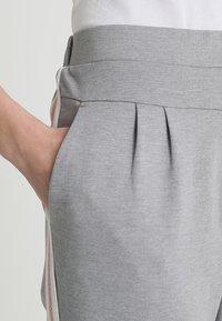 Cream - BEATE PANTS - Pantalon classique - light grey melange - 4