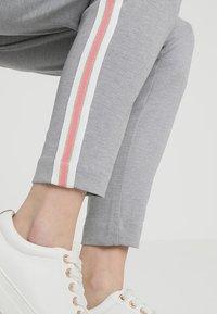 Cream - BEATE PANTS - Pantalon classique - light grey melange - 6