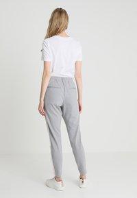 Cream - BEATE PANTS - Pantalon classique - light grey melange - 2