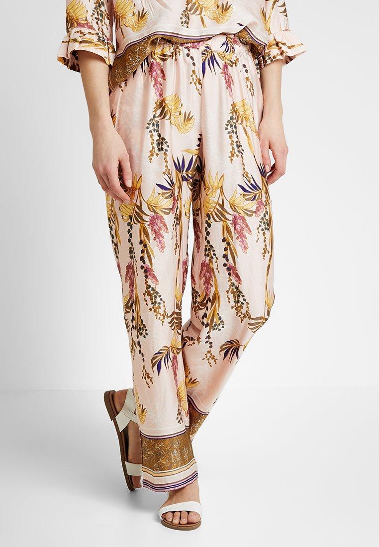 Cream - MONIQUE PANTS LONG - Pantalones - sunshine rose