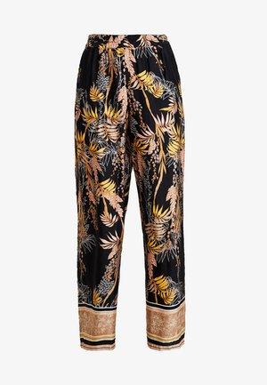 MONIQUE PANTS LONG - Pantalones - pitch black