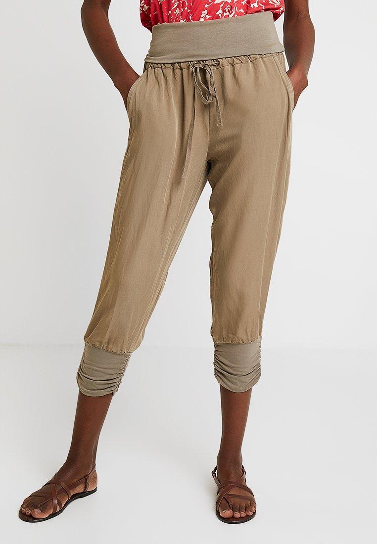 Cream - LINE PANTS - Stoffhose - lead grey