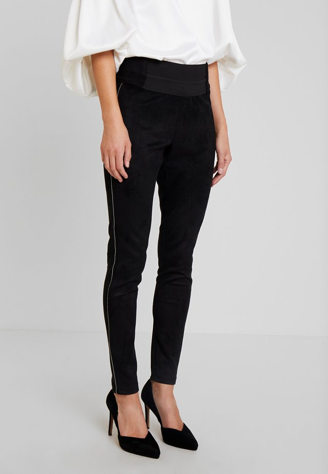 DARJA PANT - Leggings - pitch black