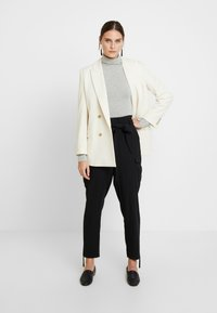 Cream - LONA PANTS - Broek - pitch black - 2