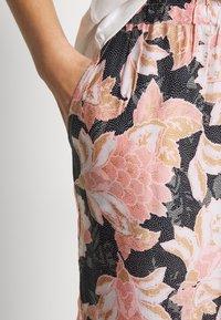 Cream - BAHIACR PANTS - Bukse - spring pink - 3