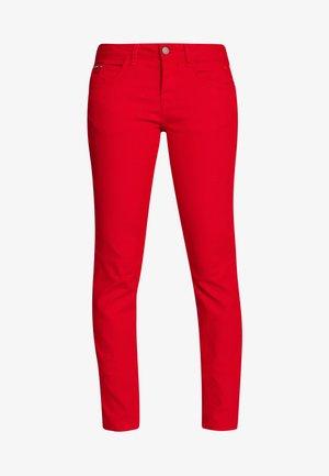 LOTTECR PLAIN TWILL COCO - Pantalon classique - aurora red