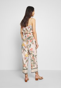 Cream - JEANETTA PANTS - Pantaloni - whisper pink - 2
