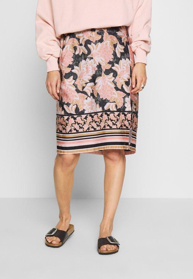 BAHIA - Pouzdrová sukně - spring pink
