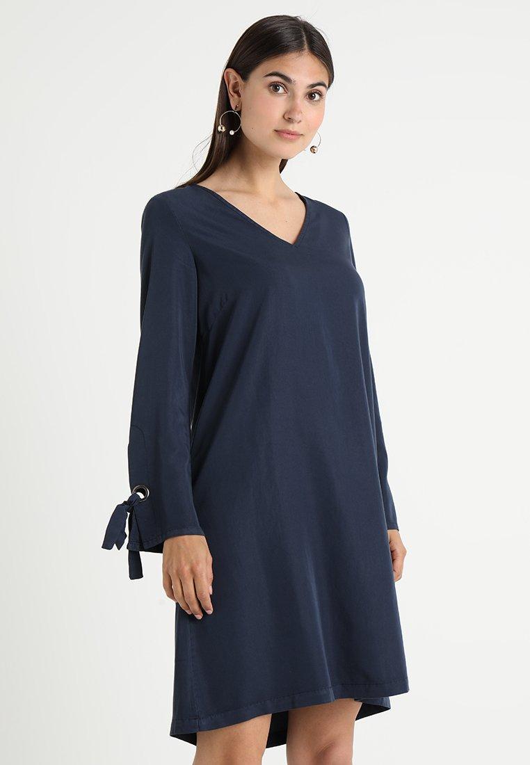Cream - VALERY DRESS - Freizeitkleid - royal navy blue