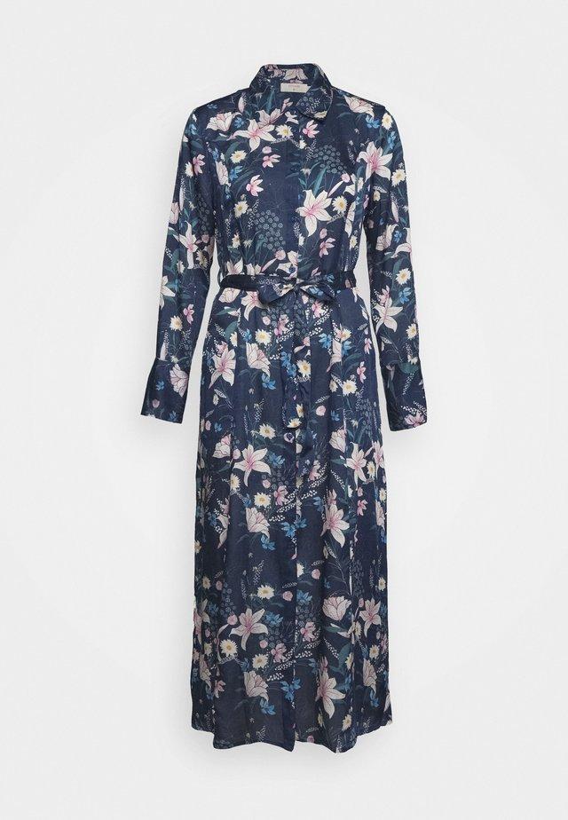 MARGOT DRESS - Košilové šaty - blue