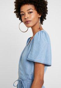 Cream - VINCACR VRAP DRESS - Denim dress - blue denim - 4