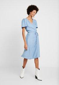 Cream - VINCACR VRAP DRESS - Denim dress - blue denim - 2