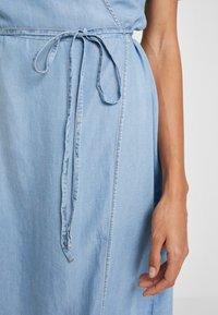 Cream - VINCACR VRAP DRESS - Denim dress - blue denim - 6