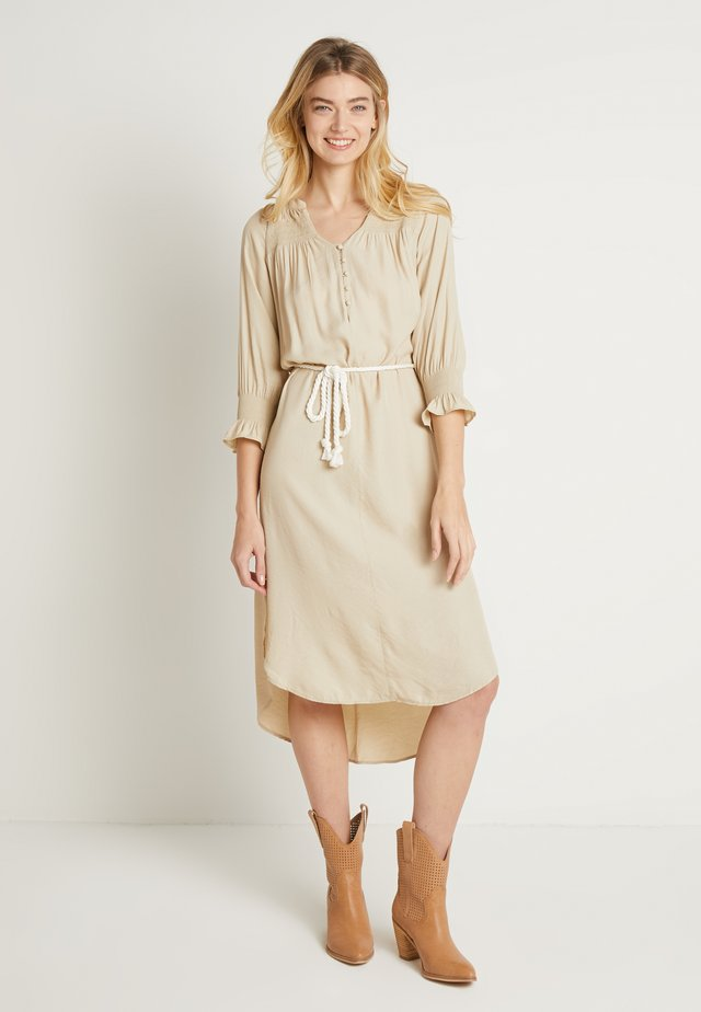 FILUCA DRESS - Korte jurk - chai beige