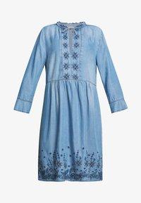 Cream - ELLIS DRESS - Dongerikjole - blue - 5