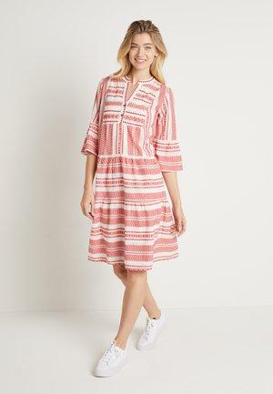 VERMUNDACR DRESS - Day dress - eggnog