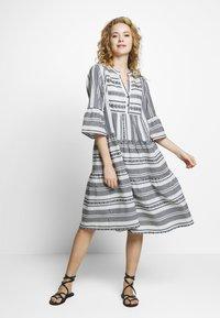 Cream - VERMUNDACR DRESS - Kjole - anthrazit - 0