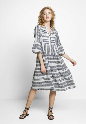 VERMUNDACR DRESS - Denní šaty - anthrazit