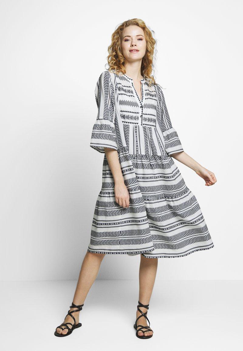 Cream - VERMUNDACR DRESS - Kjole - anthrazit