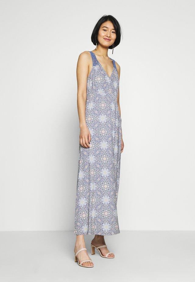 AVACR LONG DRESS - Jerseyjurk - coronet blue