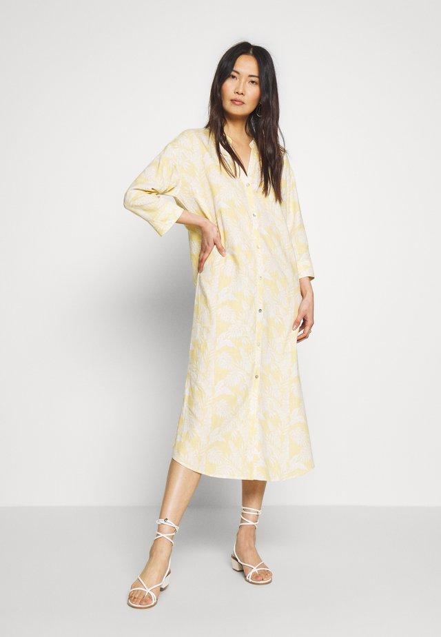 ESTACR - Košilové šaty - yellow