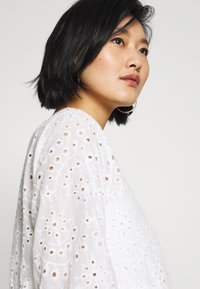 Cream - RISTA DRESS - Shirt dress - snow white - 3