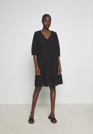 RISTA DRESS - Robe chemise - pitch black