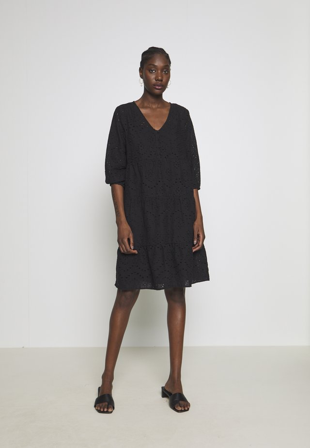 RISTA DRESS - Paitamekko - pitch black