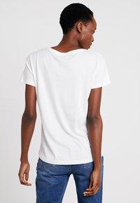 Cream - NAIA - Basic T-shirt - off-white - 2