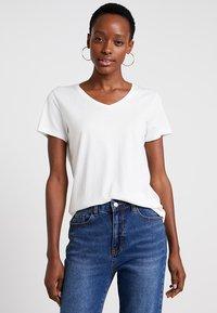 Cream - NAIA - Basic T-shirt - off-white - 0
