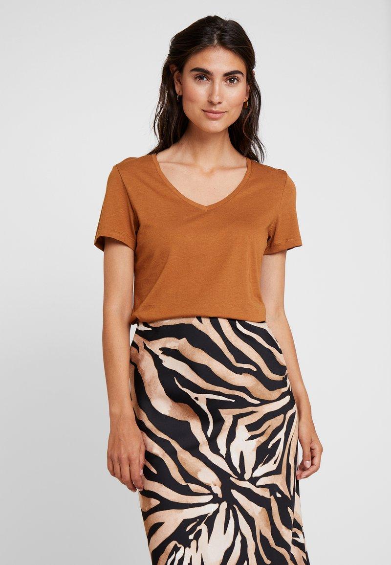 Cream - NAIA - T-Shirt basic - bronzed