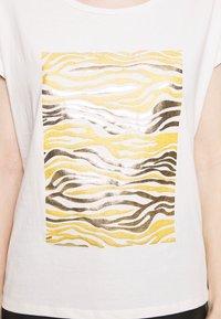 Cream - PIACR - T-shirts med print - gold - 4