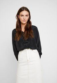 Cream - MILLE BLOUSE - Blusa - pitch black - 0