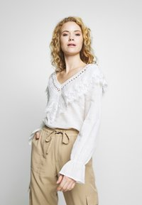 Cream - AGNA BLOUSE - Blůza - chalk - 0