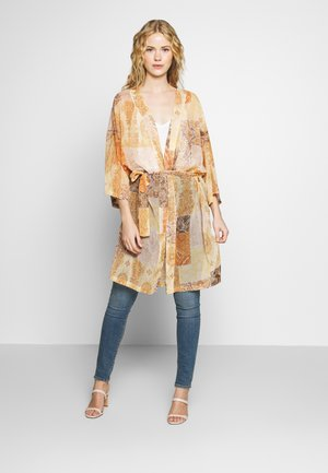 SAHARA KIMONO - Lehká bunda - yellow