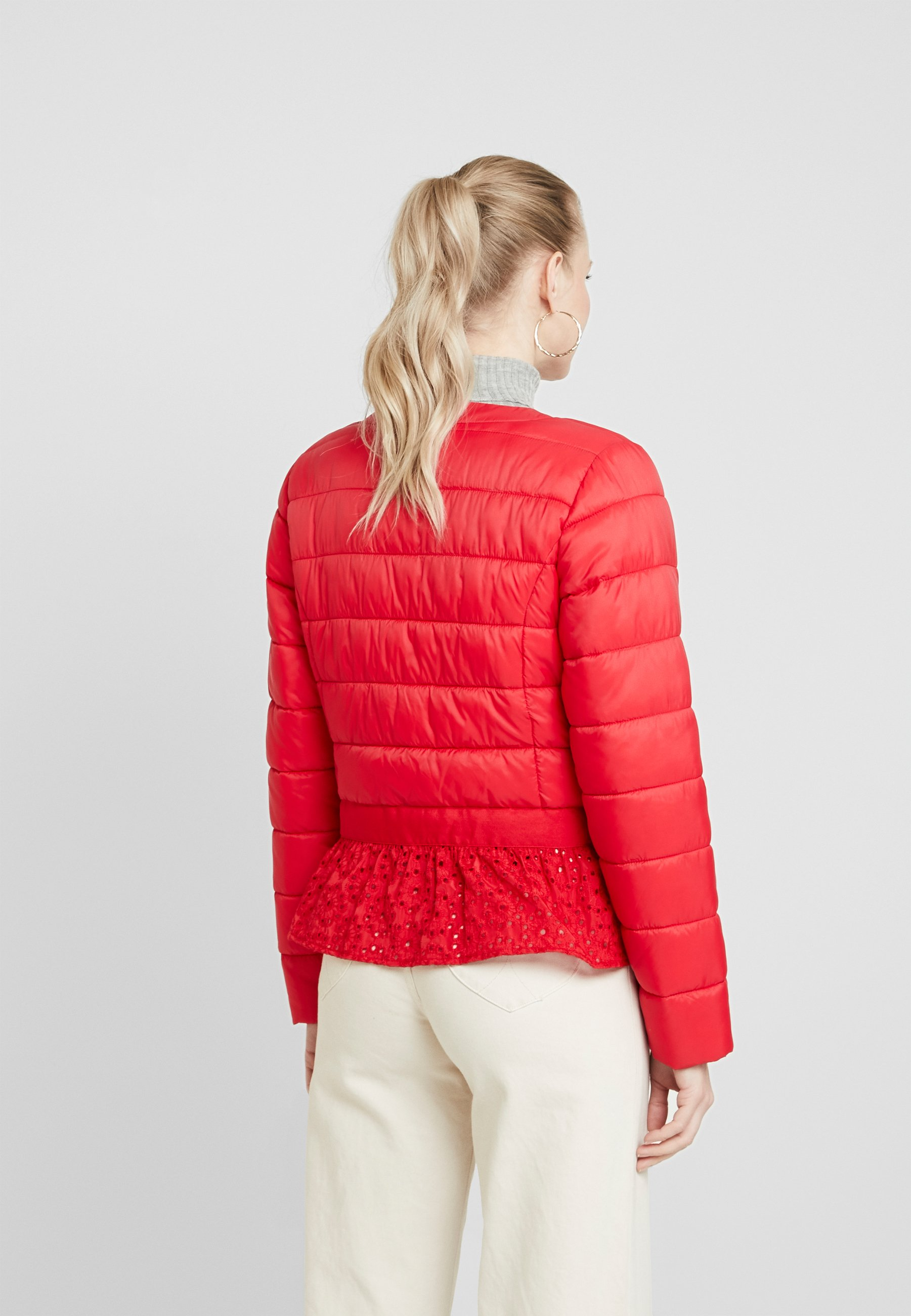 Cream ADELLA QUILTED JACKET - Lett jakke - red velvet