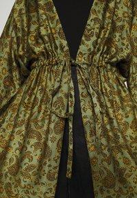 Cream - EMMELIACR KIMONO - Summer jacket - khaki - 5